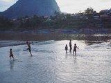 [寮國]  Nong Khiaw(琅多):最淳樸的河畔風情