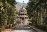 印度烏代浦 湖光山色裡的優美白城